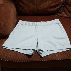 Vineyard Vines womens  khaki shorts  size 12